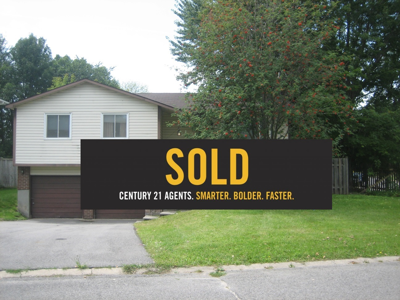 SOLD: 39 Chanonhouse Dr, Richmond | Nilay Ertemur